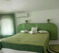 Spalnia v zeleno